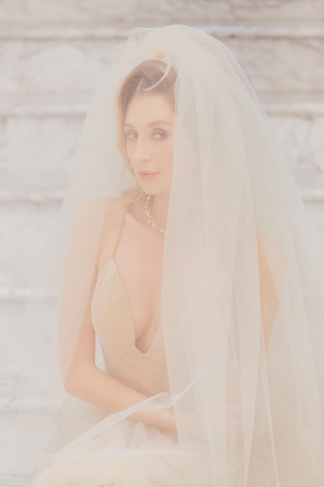 Amelia-wedding-dresses-139
