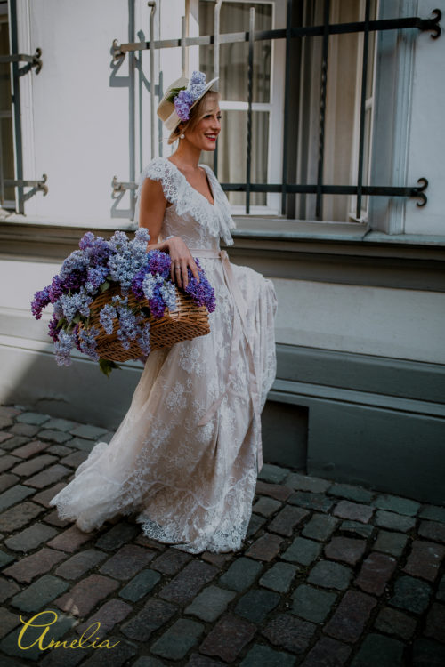 Lace blossom - Amelii Wedding Dress
