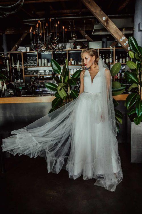 Remarkable - Amelii Wedding Dress Meta description preview: