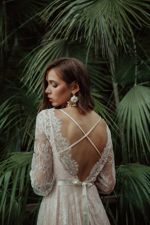 Intriguing - Amelii Wedding Dress