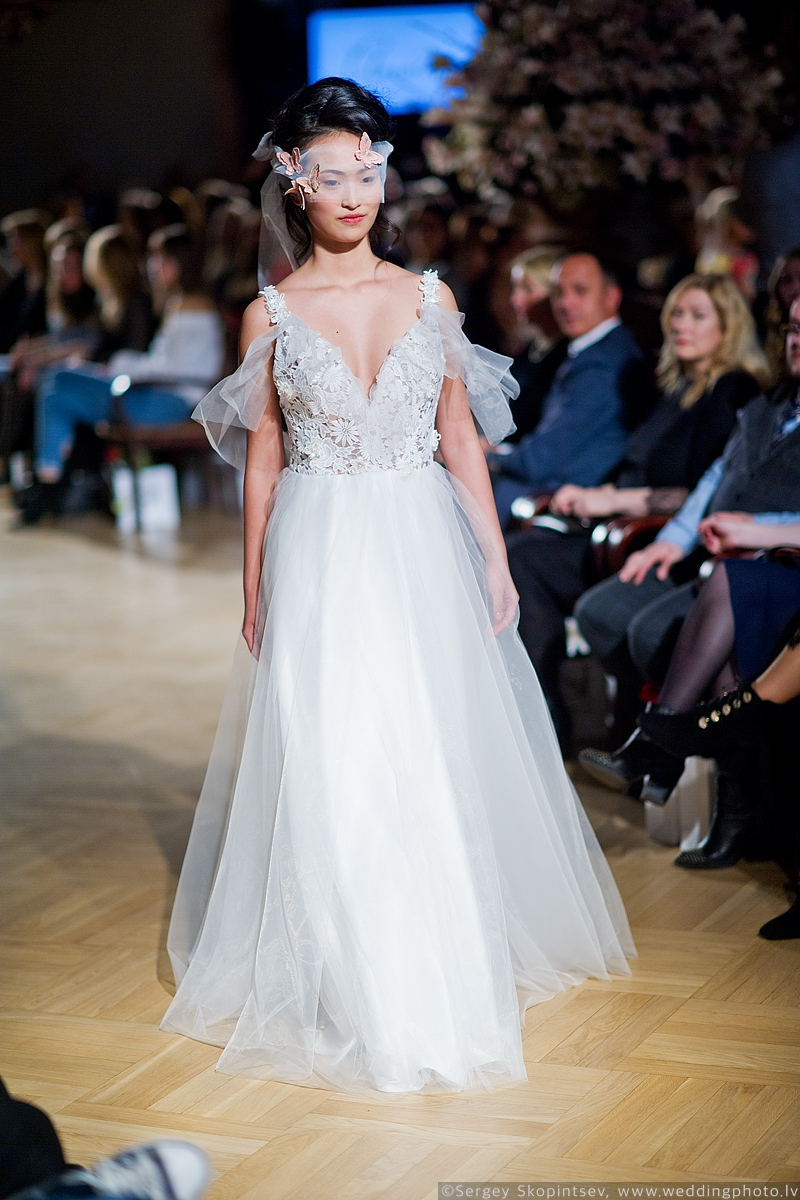 Amelia-wedding-dresses-162