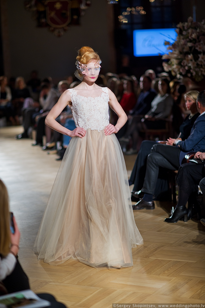 Amelia-wedding-dresses-163