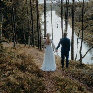 Iepazīsties ar līgavu atsauksmēm, kuru dienu īpašu padarīja Amelia kāzu kleita