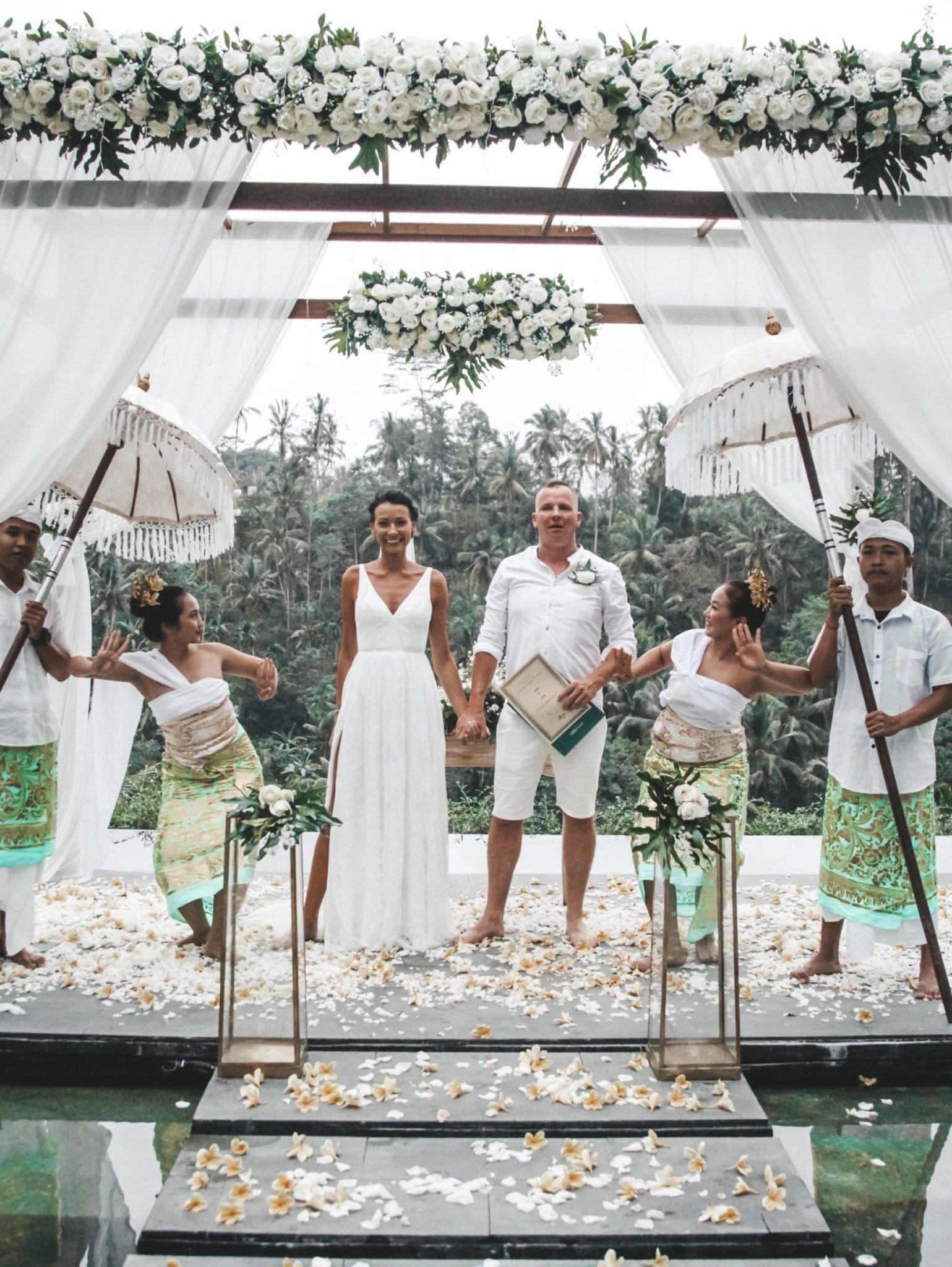 Amelii brides speak Arita