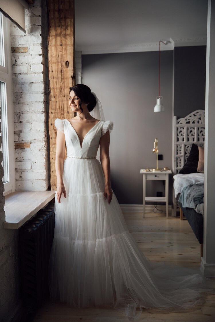 Amelii brides speak Annaa-wedding-dresses-brides-speak-09